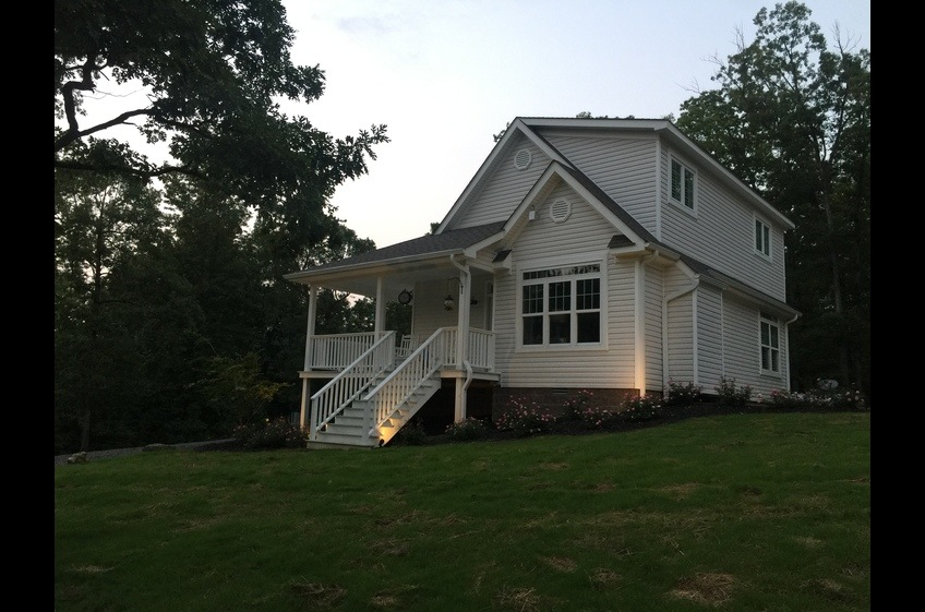 The Primrose Vacation Home Rental offered by Stonehill Cottages in Mena, AR