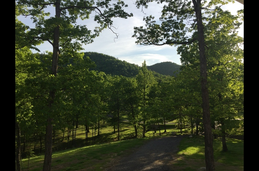 Cabin retreats with mountain views in Mena Arkansas by Stonehill Cottages